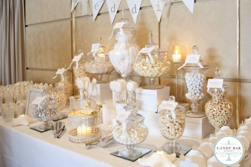 Keep your wedding guests entertained with activity stations!